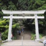 九州のへそに位置する幣立神宮の双子杉は縁結びスポット